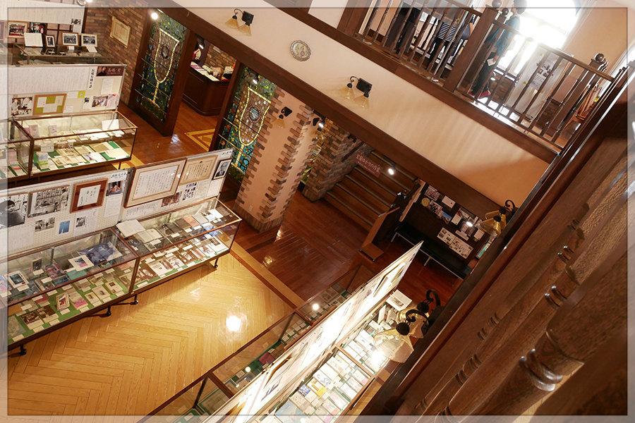 土曜の午後は、文学館。_e0235910_09542650.jpg