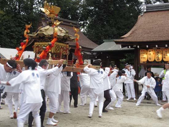 久我神社秋祭り 神輿渡御_e0048413_21474784.jpg