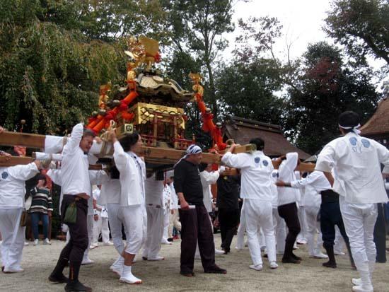 久我神社秋祭り 神輿渡御_e0048413_21475199.jpg