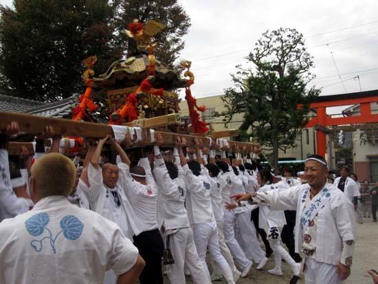 久我神社秋祭り 神輿渡御_e0048413_21480113.jpg
