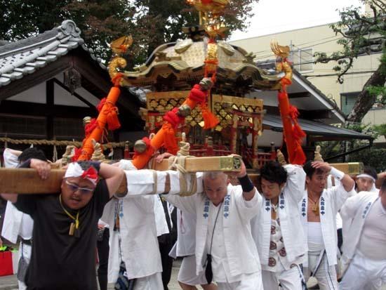 久我神社秋祭り 神輿渡御_e0048413_21480407.jpg