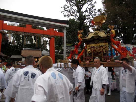 久我神社秋祭り 神輿渡御_e0048413_21481169.jpg