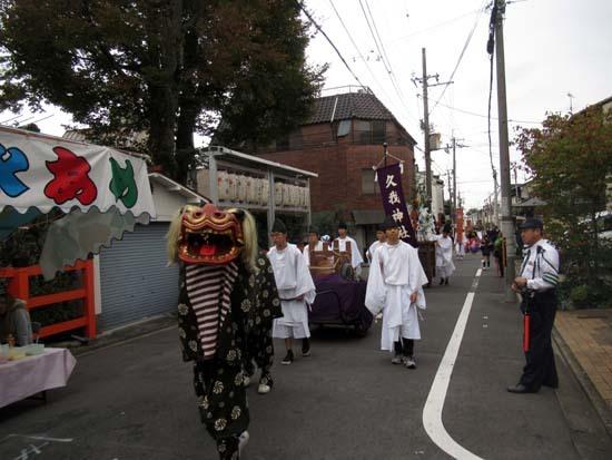 久我神社秋祭り 神輿渡御_e0048413_21481811.jpg