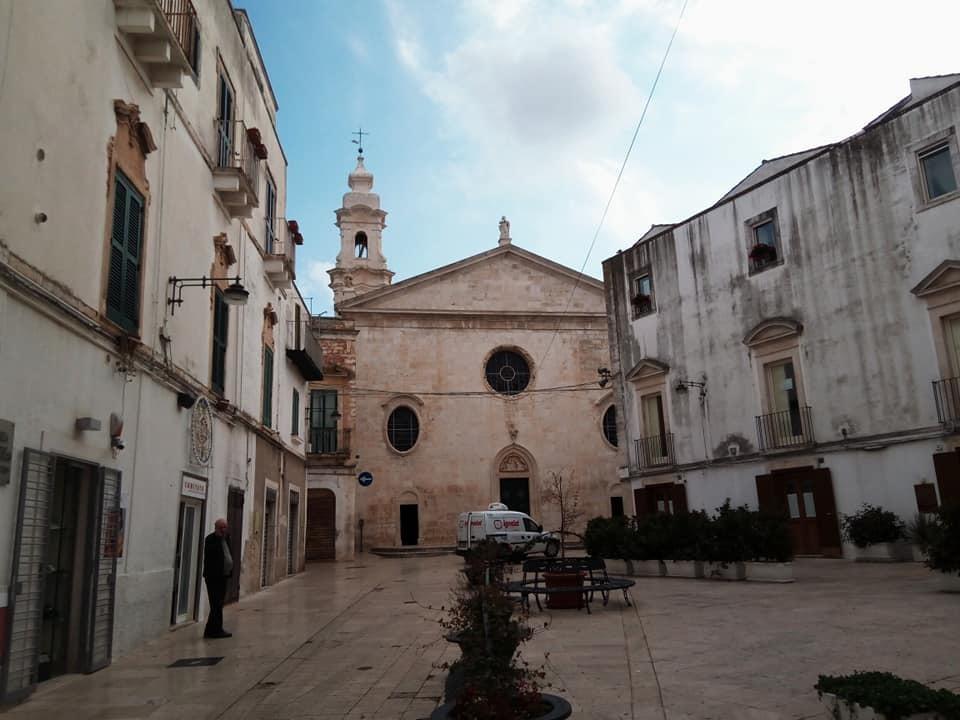 アルベロベッロのお隣りノーチの町_b0305039_04241012.jpg