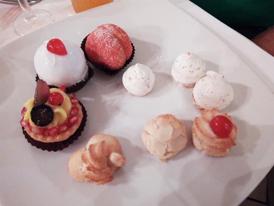 驚くほどお腹いっぱいの郷土料理レストラン!_b0305039_04425539.jpg