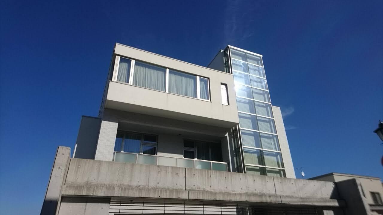 函館元町地区の素敵な建物_b0106766_16272969.jpg