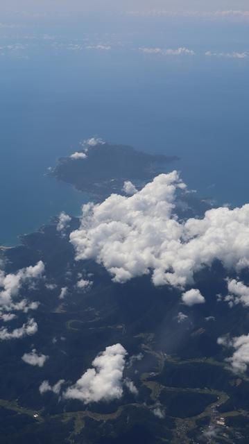 神戸から鹿児島へ瀬戸内海の美しさ、青島の絶景、桜島の雄大さ・・・飛行機からの絶景の旅_d0181492_07190563.jpg
