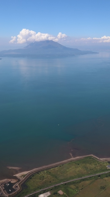 神戸から鹿児島へ瀬戸内海の美しさ、青島の絶景、桜島の雄大さ・・・飛行機からの絶景の旅_d0181492_07215835.jpg