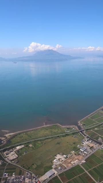 神戸から鹿児島へ瀬戸内海の美しさ、青島の絶景、桜島の雄大さ・・・飛行機からの絶景の旅_d0181492_07220689.jpg