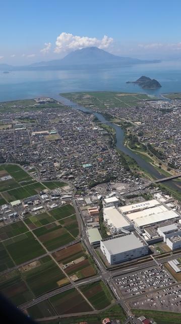 神戸から鹿児島へ瀬戸内海の美しさ、青島の絶景、桜島の雄大さ・・・飛行機からの絶景の旅_d0181492_07225929.jpg