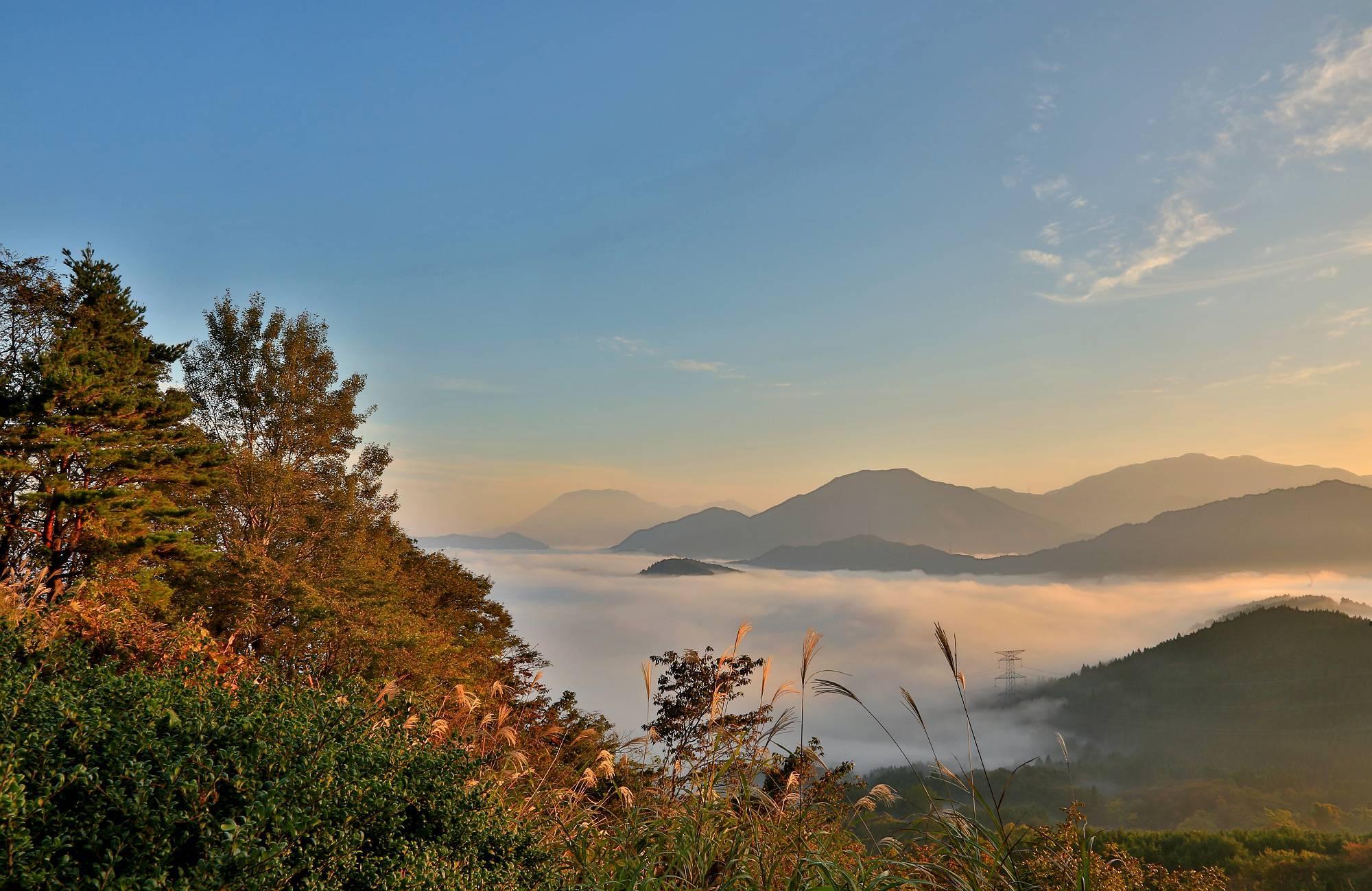 """ー山陰の絶景を求めて """"雲海に浮かぶ大山"""" そのⅡ_a0140608_08050982.jpg"""