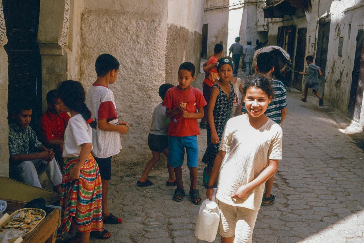 【大陸横断2000その27】フェズ  迷宮都市の子供たち_b0061717_20342814.jpg