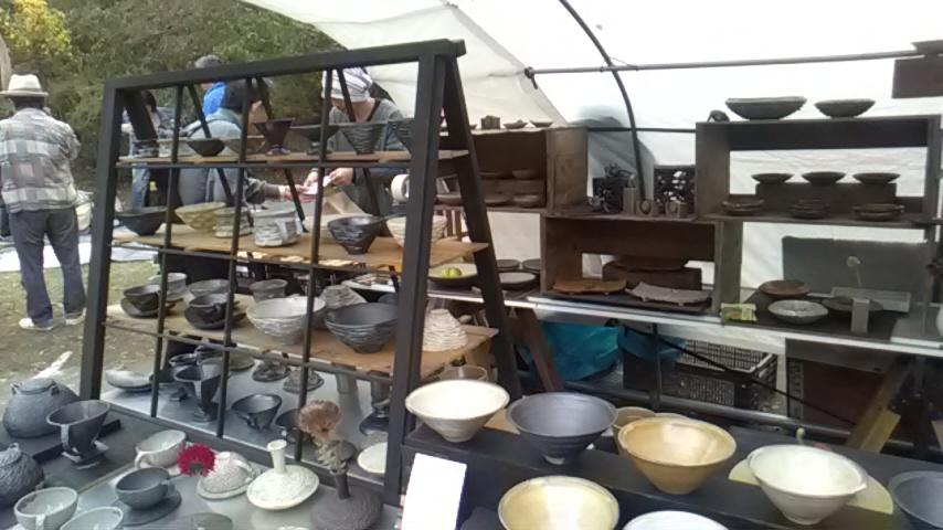先日は文化の日ということで 益子陶器市に行ってきました&サーフィンも^^_b0123820_15352031.jpg