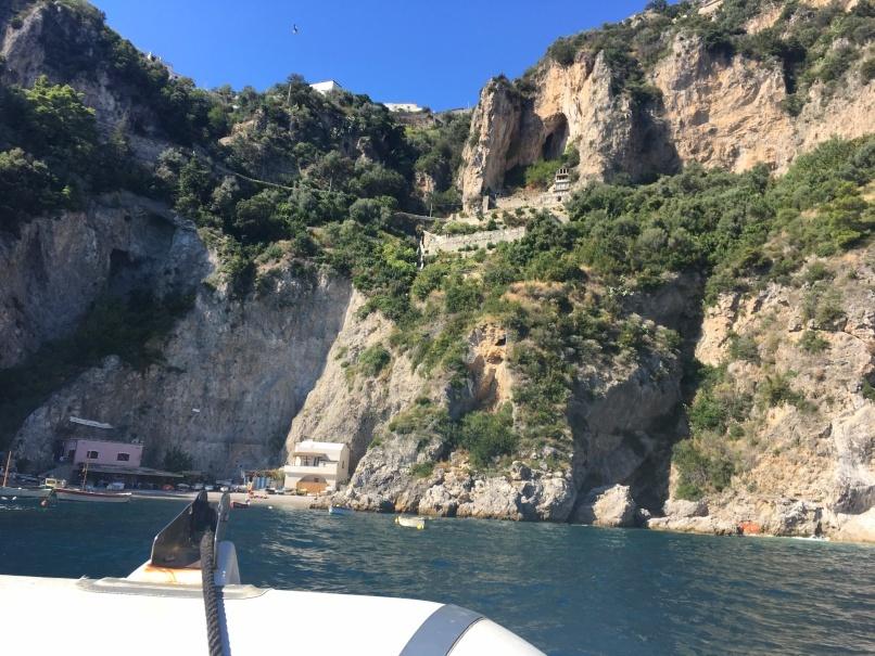 南イタリアユキキーナツアー4日目② アマルフィの海をゴムボートで駆ける。_d0041729_00503763.jpg