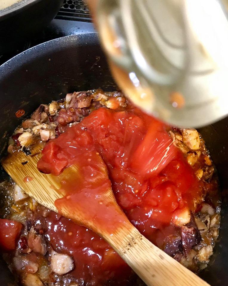 /// 今日のおばんざい・朝野家館主の簡単レシピ『タコのトマト煮』 ///_f0112434_16025135.jpg