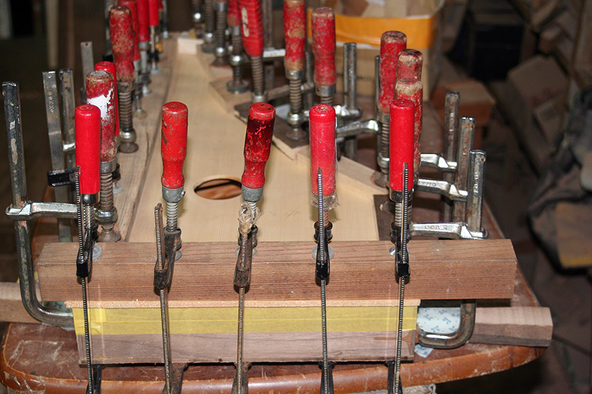 3台の古代楽器#5_e0064847_18090763.jpg