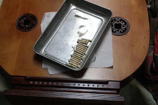3台の古代楽器#5_e0064847_18090820.jpg