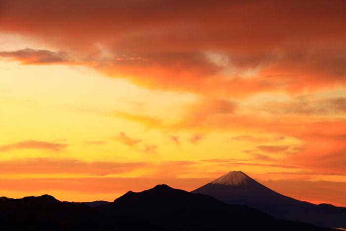 令和元年10月の富士(29)八ヶ岳南麓美し森からの富士_e0344396_13020592.jpg