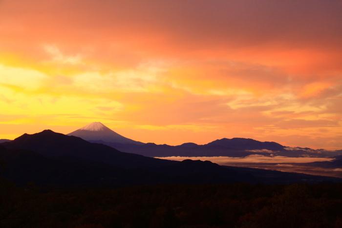 令和元年10月の富士(29)八ヶ岳南麓美し森からの富士_e0344396_13021231.jpg