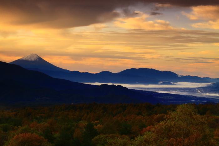 令和元年10月の富士(29)八ヶ岳南麓美し森からの富士_e0344396_13023887.jpg