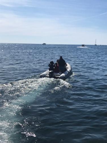 南イタリアユキキーナツアー4日目② アマルフィの海をゴムボートで駆ける。_d0041729_13253681.jpg