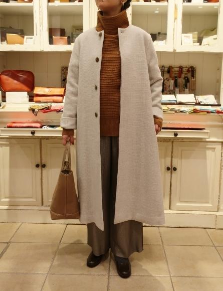 Michel beaudouin で、今年もオルジナルのコートです。_c0227633_19031480.jpg