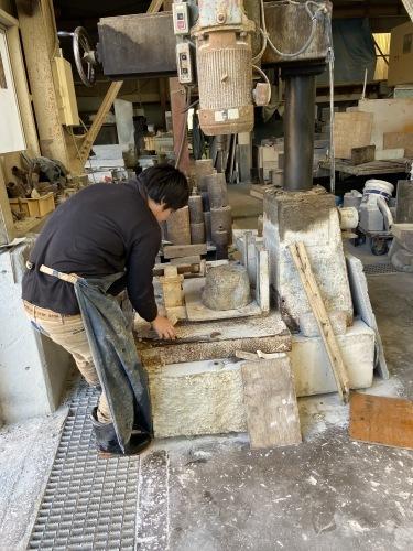 庵治石の加工 玄関柱石に使います_e0064493_18215254.jpg