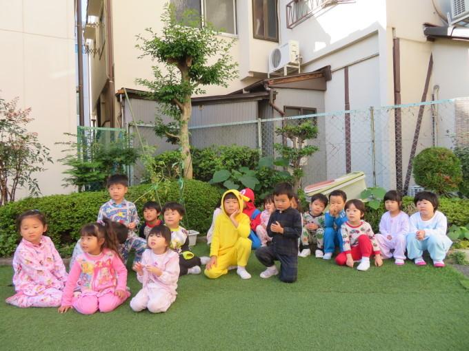 Pajamas Party_e0119166_15072136.jpg