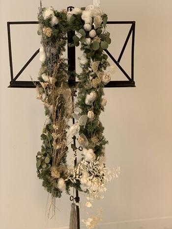 2019年のクリスマスリースは クロス(十字架)を作りました。_e0237680_14585093.jpg