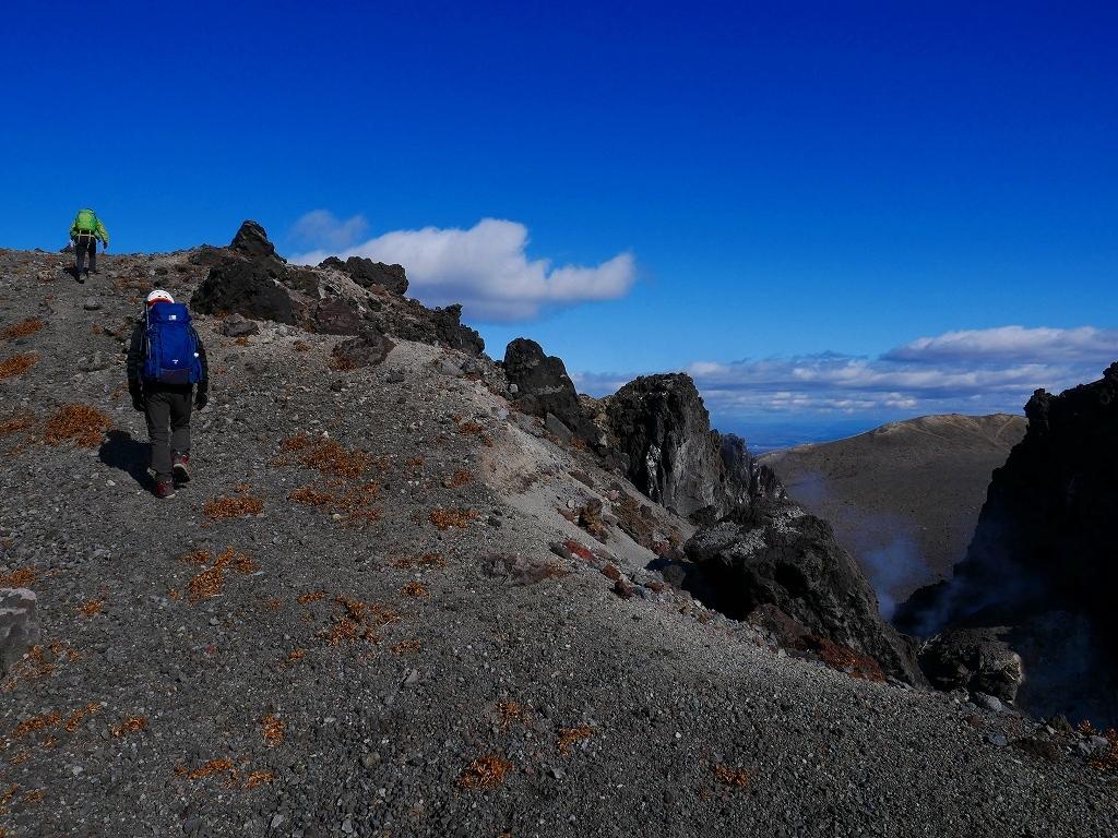 樽前山の最高点へ、2019.11.5ーその2ー_f0138096_17524749.jpg