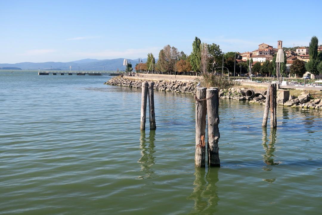 女が見る女〜女性写真展にわたしも俳句で参加、イタリア トラジメーノ湖_f0234936_753982.jpg