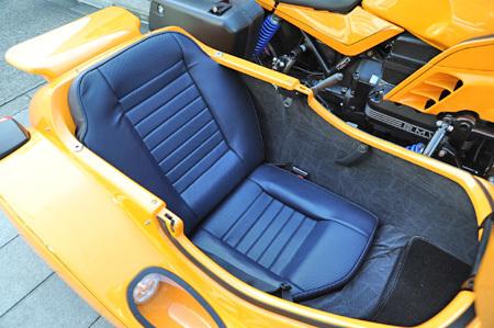 お勧めの中古車 【BMW K100RS 4V(後期型)+RSⅢフロントWウィッシュボーン】_e0218639_17152455.jpg