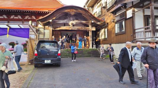 4日には「山門天井画・板壁画修復」講演会が開催されました_c0336902_19033561.jpg