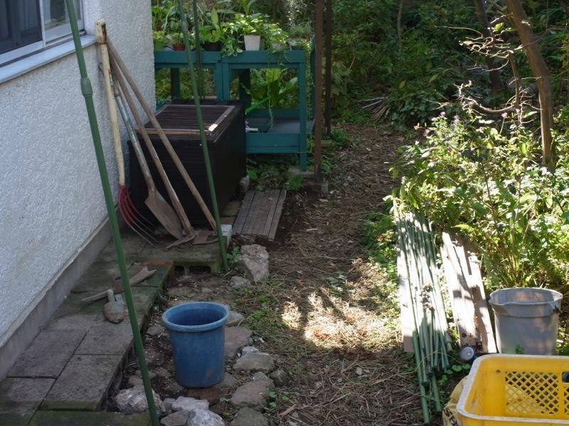 秋の庭仕事_e0276411_22330393.jpg
