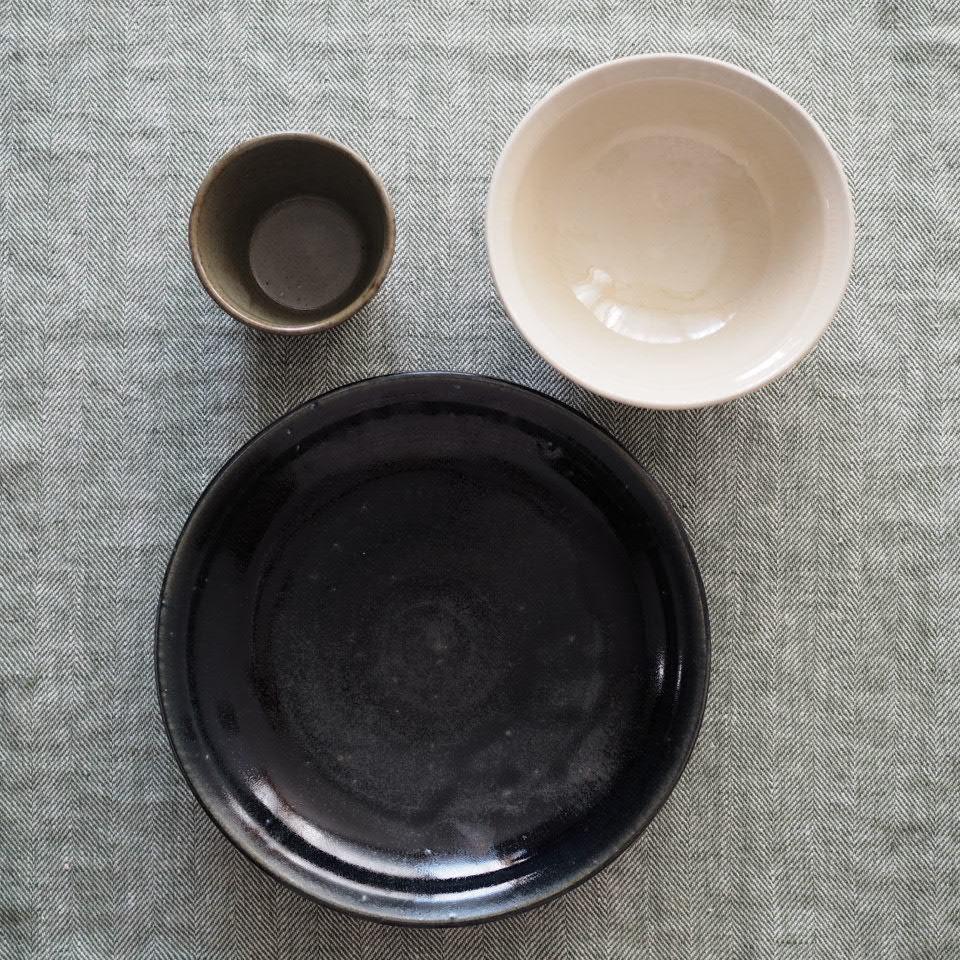 田谷さんの8寸皿に_b0206421_18524185.jpg