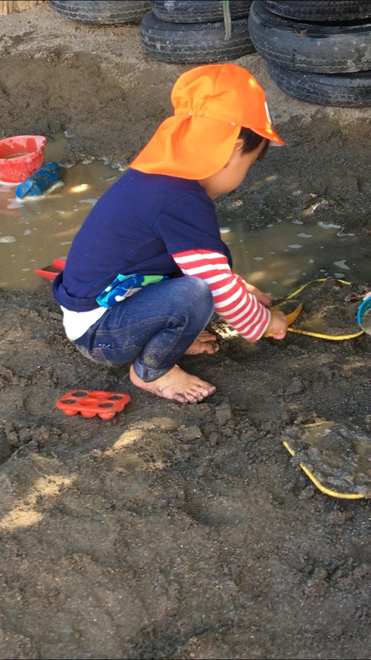年少さんは  ( 水と砂場編 )_e0412431_00305877.jpg