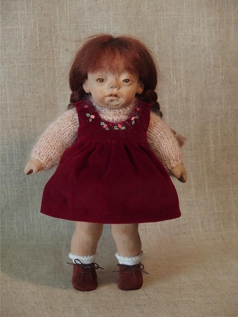 赤いジャンパースカートの女の子_d0079147_15540278.jpg