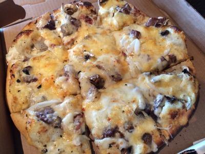 チーズ屋さんのピザ_c0353373_20334672.jpg