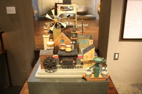 石井希の仕事展 「水辺の町」「魔女の館」_a0260022_01412198.jpg