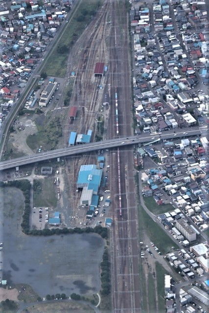 藤田八束の鉄道写真@トライアングル鉄道のある街を探しています。・・・大阪の加島トライアングルと青森千刈小学校前のトライアングルは素晴らしい。_d0181492_20295602.jpg