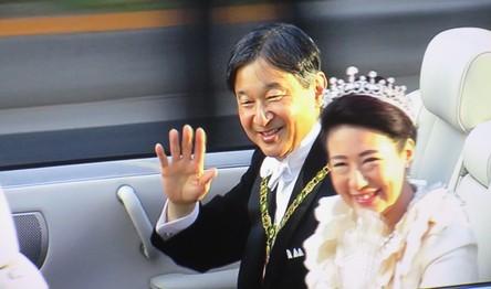 982)新天皇皇后様 祝賀パレード。_b0029010_202276.jpg