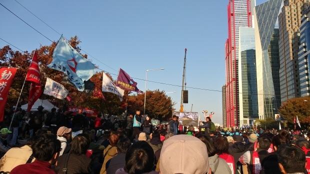 11月9日、ソウル市内でおこなわれた、韓国・民主労総全国労働者大会に参加しました_d0155415_11591271.jpg
