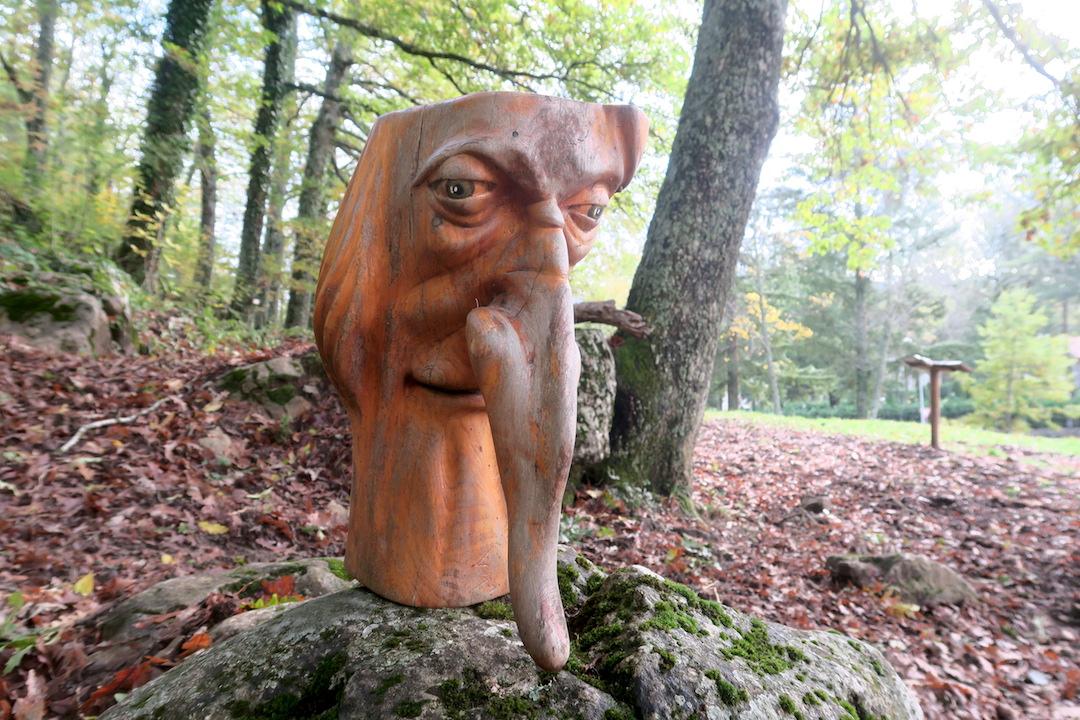 秋色の森の緑のハートと古代ギリシャ・エトルリア芸術_f0234936_902084.jpg