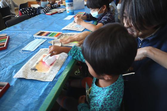 やと子ども美術教室 ~ 秋色で遊ぼう ~ _e0222340_14152724.jpg