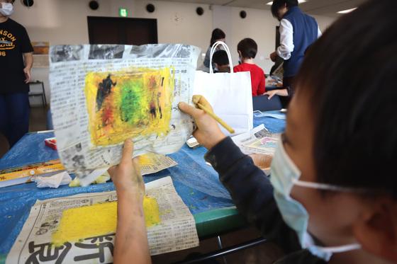 やと子ども美術教室 ~ 秋色で遊ぼう ~ _e0222340_15144843.jpg
