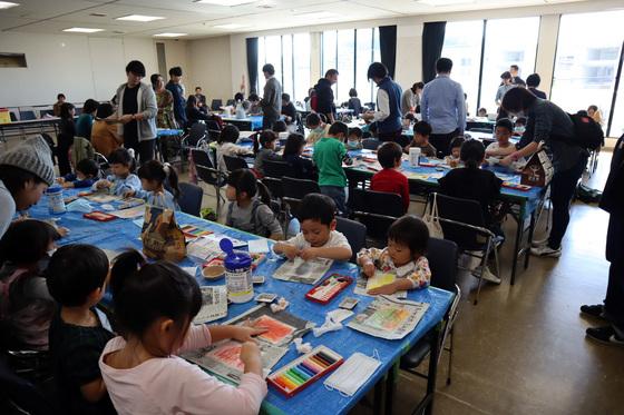 やと子ども美術教室 ~ 秋色で遊ぼう ~ _e0222340_1583545.jpg