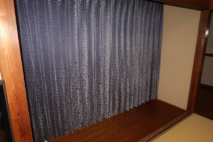和室のカーテン事情_e0133255_17345272.jpg