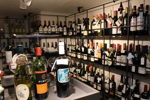 地下鉄直結のワインショップ発見。『サント カペッロ (SANTO  CAPPELLO)』_f0362073_09290566.jpg