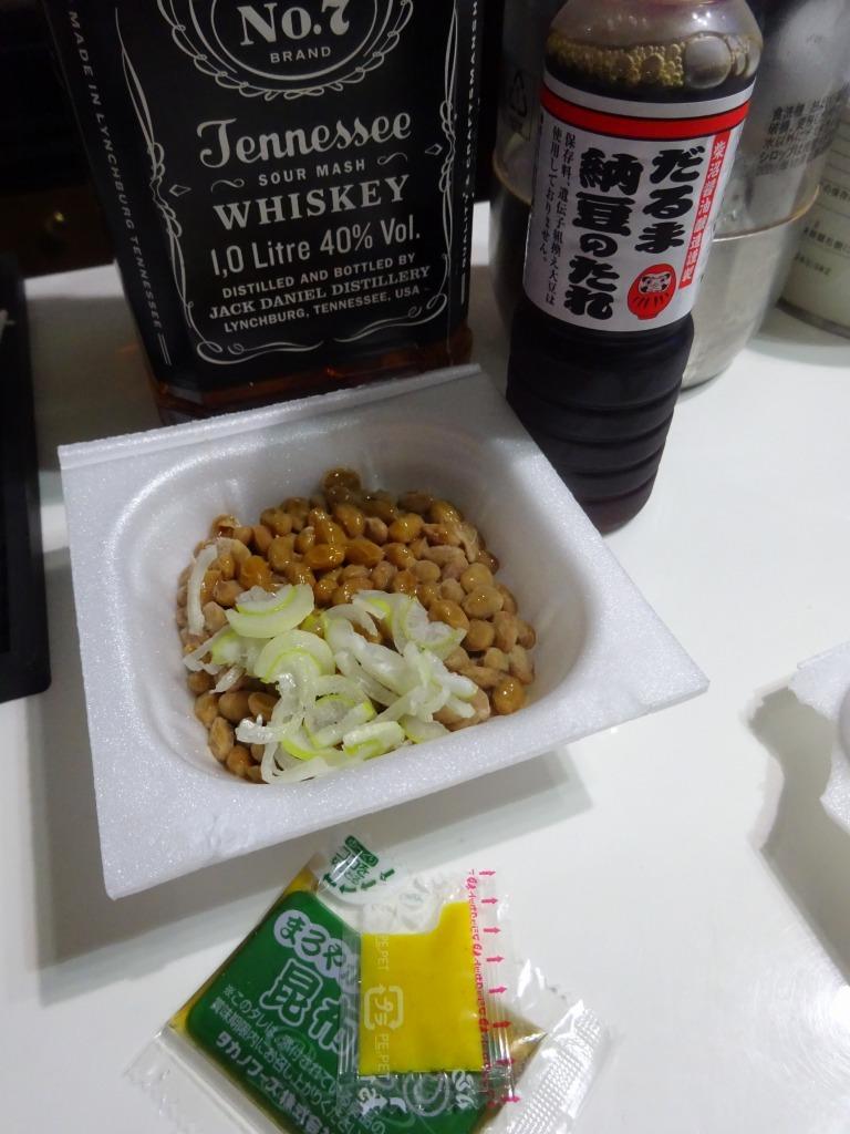 アメリカカブレかもろ日本人か分からぬ食卓 92 納豆&専用タレ_d0061678_10074524.jpg