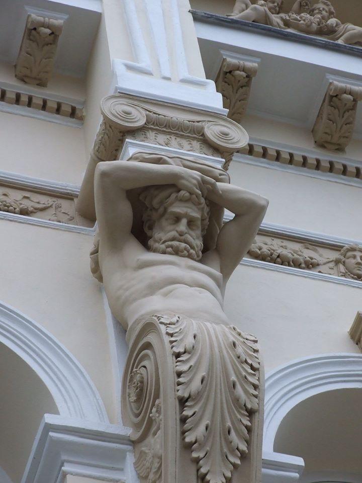 街の彫刻やモニュメント_c0042797_02134515.jpg
